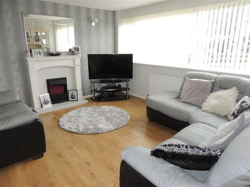 4 Bedrooms Property for sale in Tame Close, STALYBRIDGE