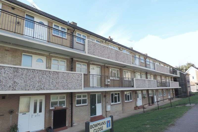 1 Bedroom Flat for sale in Bowmans Close, Potters Bar