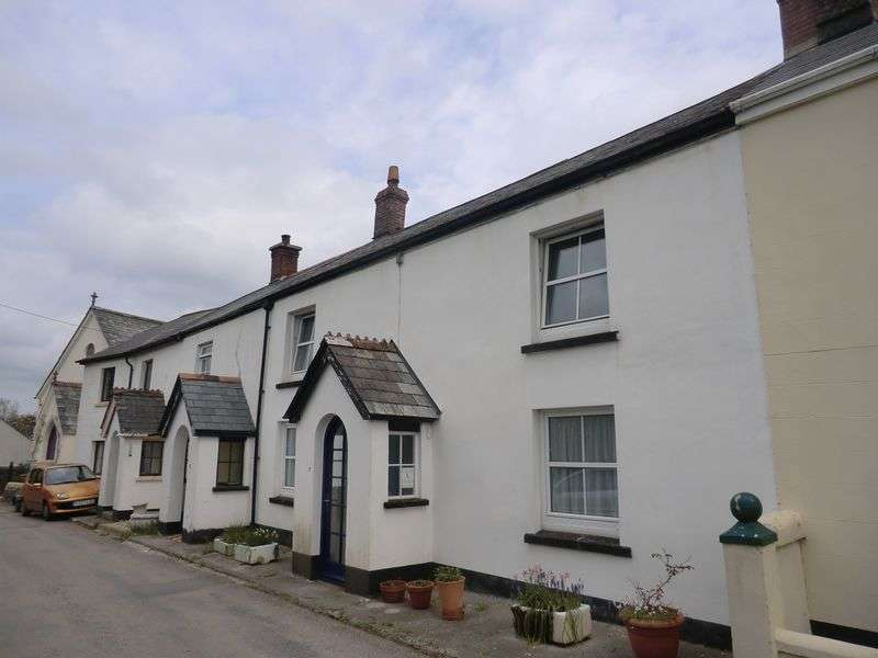 3 Bedrooms Terraced House for sale in Northlew