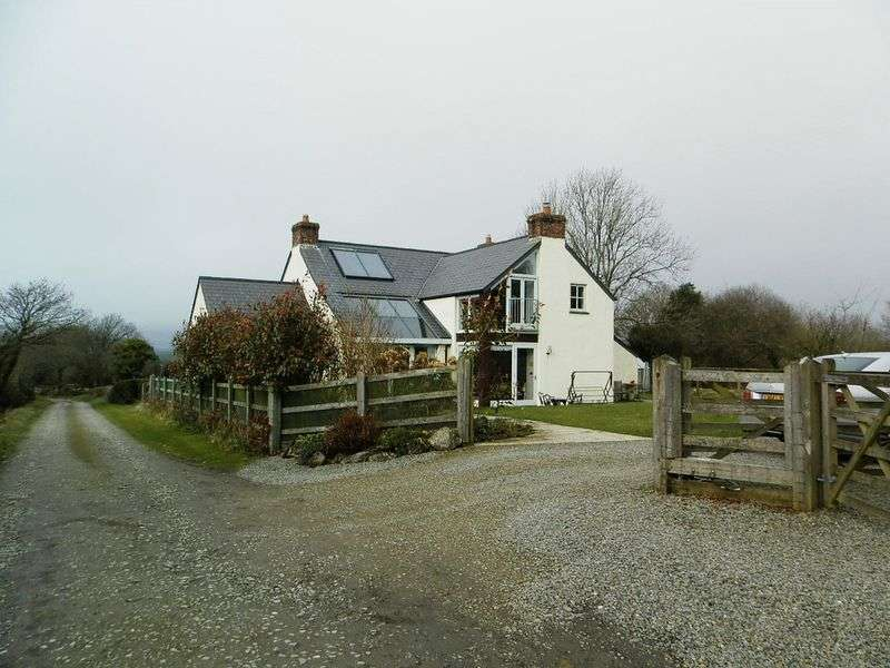 4 Bedrooms Detached House for sale in Eglwyswrw, Crymych