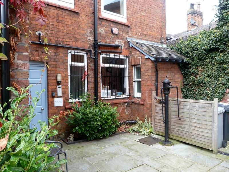 1 Bedroom Apartment Flat for sale in The Square, Audlem. Cheshire.