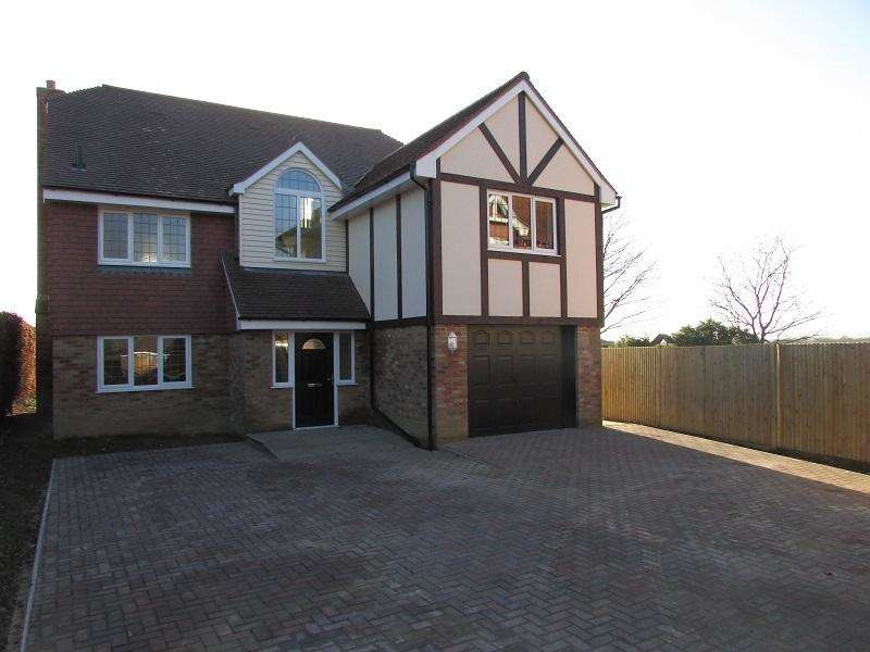 6 Bedrooms Detached House for sale in Hellingly BN27