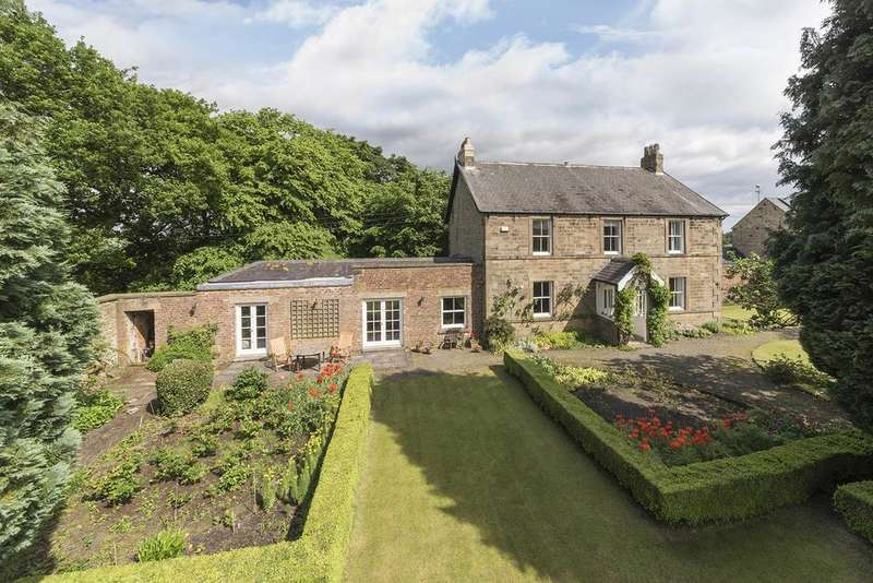 5 Bedrooms Detached House for sale in Gibside, Burnopfield, Newcastle upon Tyne NE16