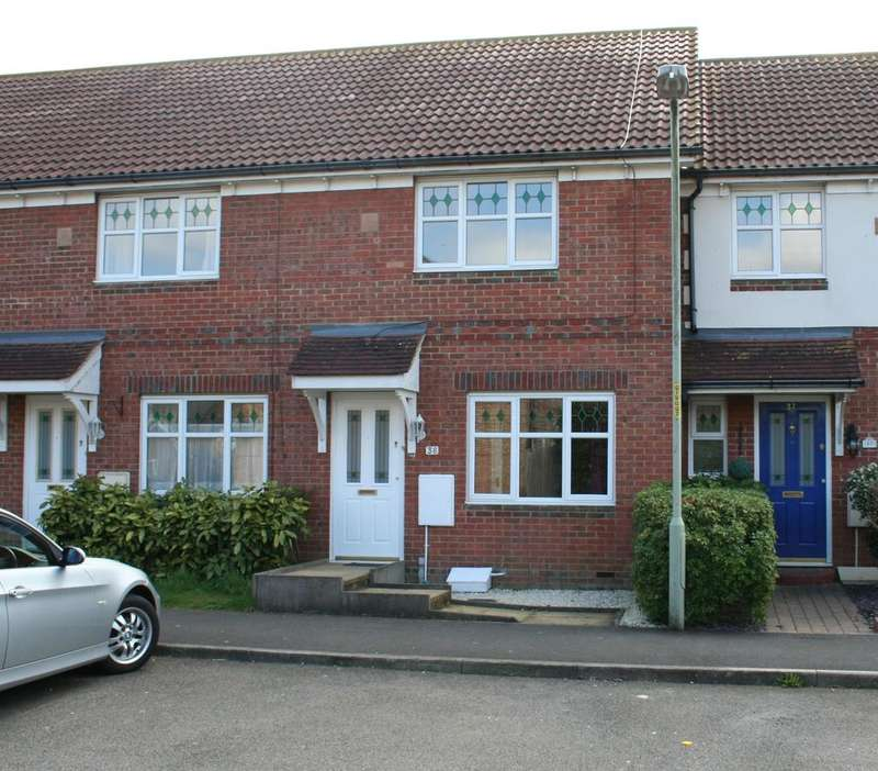 2 Bedrooms Terraced House for sale in Chaffinch Drive, Ashford TN23