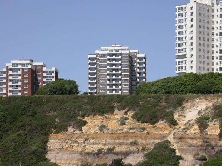 3 Bedrooms Apartment Flat for sale in Bournemouth BH1