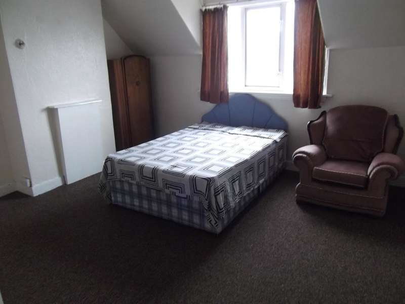 3 Bedrooms Maisonette Flat for sale in Smethwick,, Birmingham B66