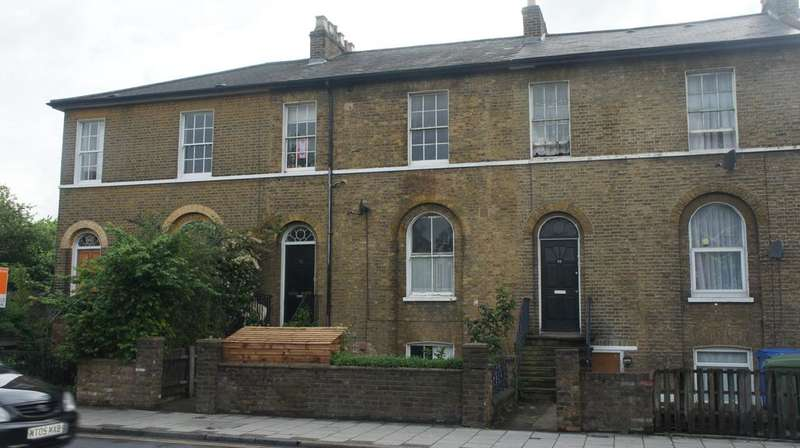 1 Bedroom Flat for sale in Peckham Hill Street, Peckham, London SE15