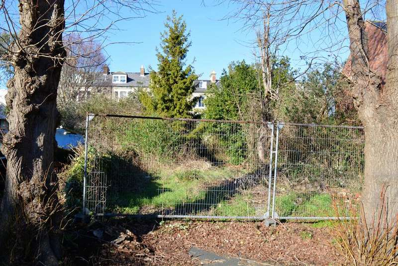 Plot Commercial for sale in Building Plot