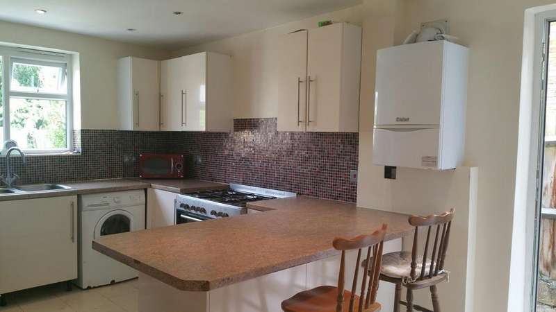 3 Bedrooms Terraced House for sale in Beulah Road, Thornton Heath, Surrey, London CR7