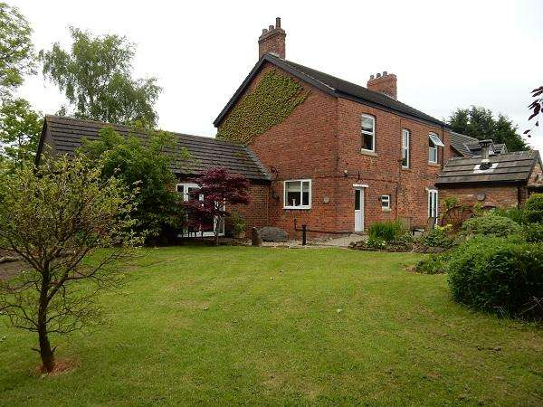 4 Bedrooms Farm House Character Property for sale in Calf Fallow Lane, Norton, Stockton on Tees TS20