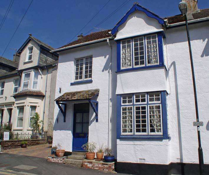 4 Bedrooms End Of Terrace House for sale in Court Street, Moretonhampstead TQ13