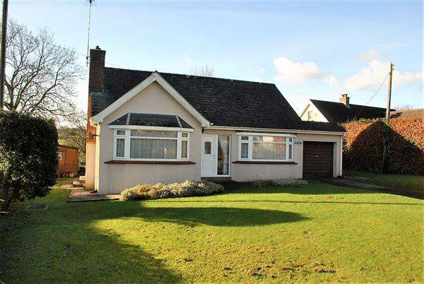 2 Bedrooms Detached Bungalow for sale in Freydora, Lower Lamphey Road, Pembroke