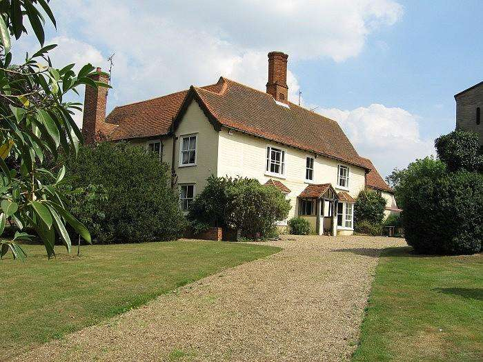 5 Bedrooms Country House Character Property for sale in WILLINGALE ROAD, FYFIELD CM5
