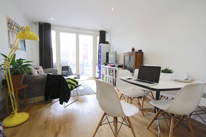 2 Bedrooms Flat for sale in North Mill Apartments, Lovelace Street, London E8