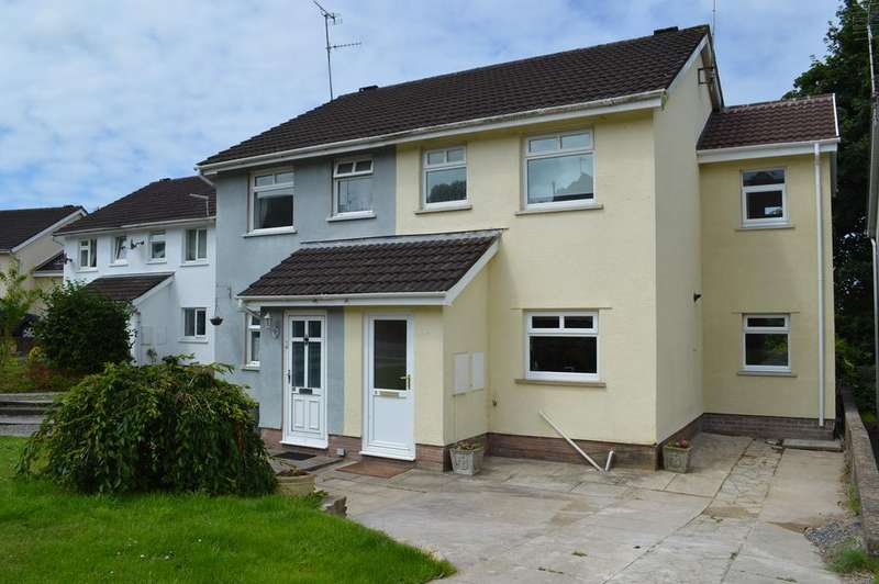 3 Bedrooms Semi Detached House for sale in Crescent Close, Cowbridge CF71