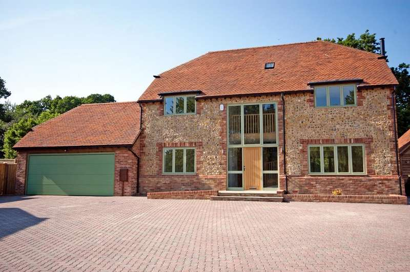 6 Bedrooms Detached House for sale in Sherbourne Place, Northiam TN31