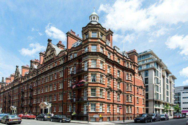 3 Bedrooms Flat for sale in Clarence Gate Mansions, Glentworth Street, NW1