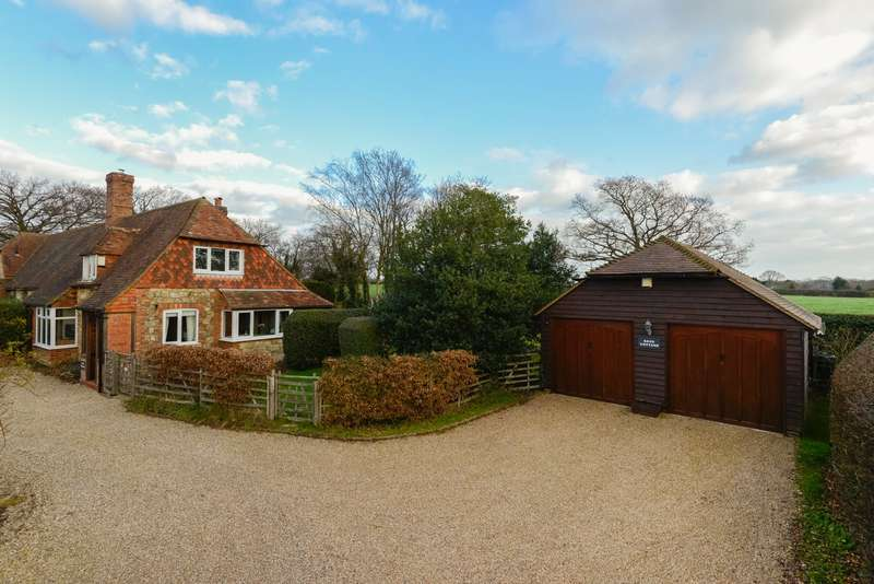2 Bedrooms Cottage House for sale in Mill Hill, Ashford Road, Kingsnorth, Ashford, TN23