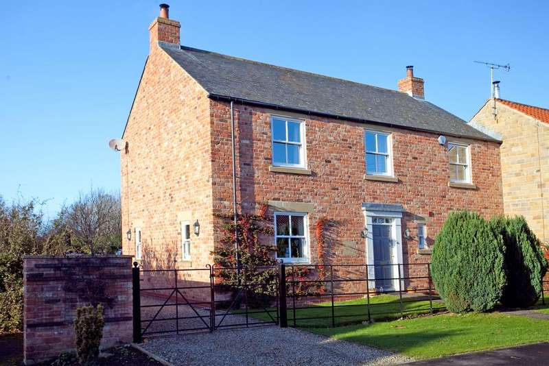 4 Bedrooms End Of Terrace House for sale in Appletree Paddock, Marton, Sinnington, York YO62