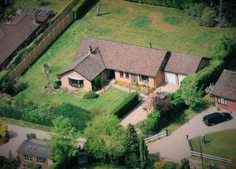 3 Bedrooms Detached Bungalow for sale in High Kelling