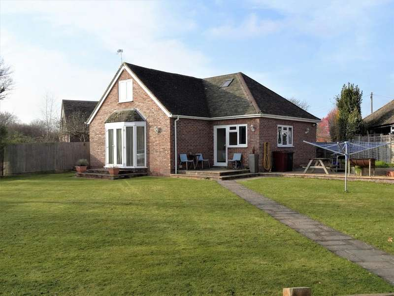 5 Bedrooms Detached Bungalow for sale in Deeside Avenue, Fishbourne PO19