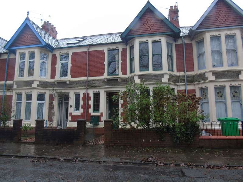 3 Bedrooms Terraced House for sale in Victoria Park Road West, Cardiff