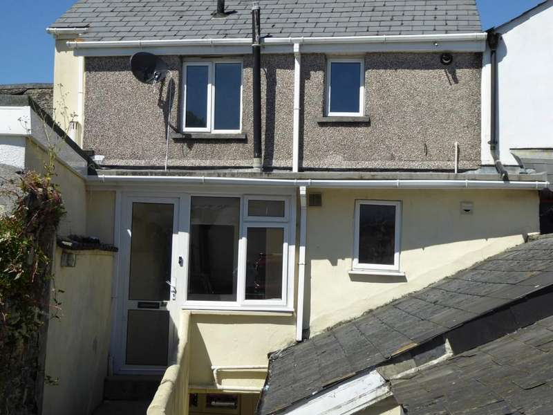 3 Bedrooms Maisonette Flat for sale in Fore Street, Callington