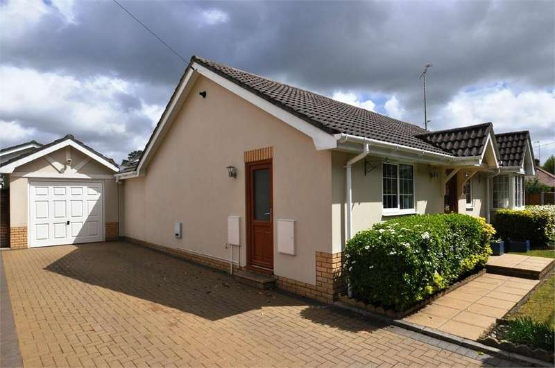 3 Bedrooms Detached Bungalow for sale in School Lane, St Ives, RINGWOOD, Dorset