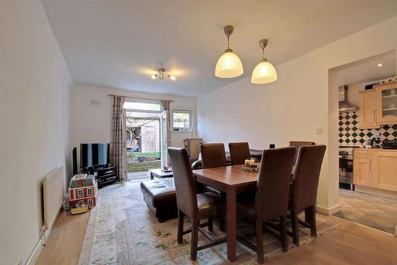 2 Bedrooms Flat for sale in Clifford Gardens, Kensal Rise