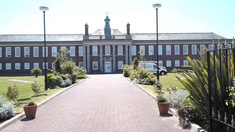 2 Bedrooms Apartment Flat for rent in Clifton Drive South, Lytham St Annes FY8