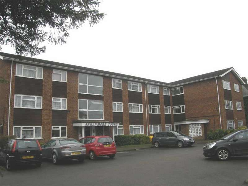 2 Bedrooms Flat for sale in Bushey