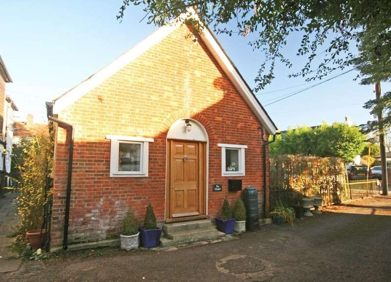 2 Bedrooms Detached House for sale in Wooburn Green