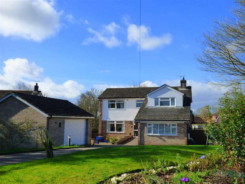 4 Bedrooms Detached House for sale in Woodlands Close, St Arvans, Chepstow