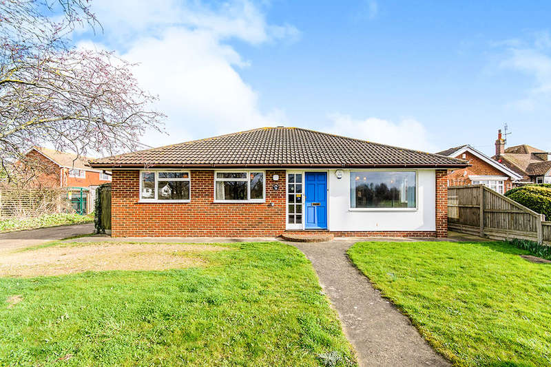 2 Bedrooms Detached Bungalow for sale in Church Street, Whitstable, CT5