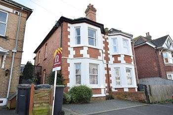 3 Bedrooms Semi Detached House for sale in Wolverton Road, Boscombe, BH7 6HX