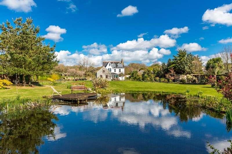 6 Bedrooms Detached House for sale in La Rue de la Hougue, Castel, Guernsey