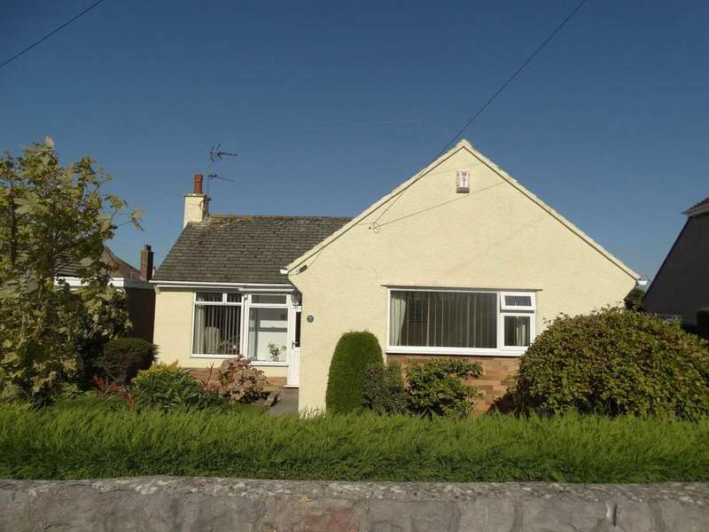 3 Bedrooms Detached Bungalow for sale in 7 Dakla Drive, Penrhyn Bay, LL30 3HH