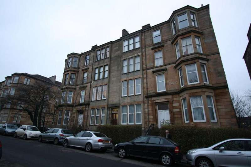 2 Bedrooms Flat for rent in 12 Clouston St