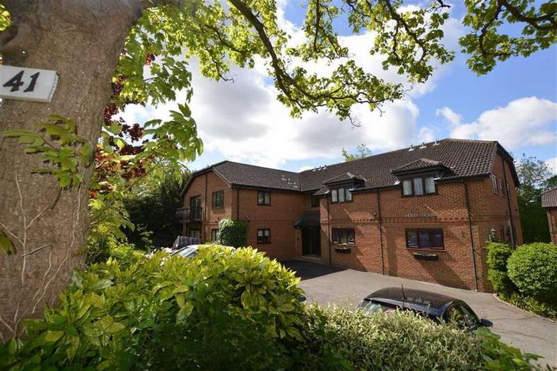 2 Bedrooms Apartment Flat for sale in Holly House, 41 St Peters Avenue, Caversham Heights