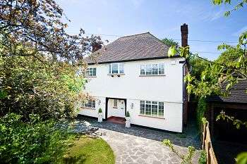 6 Bedrooms Detached House for sale in Hayes Lane, Hayes, Bromley, Kent, BR2 9EE