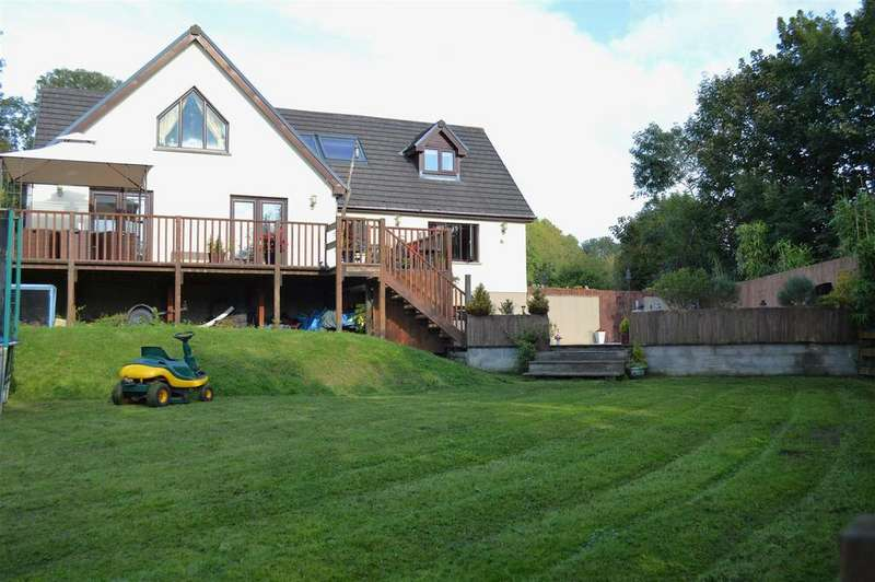 5 Bedrooms Detached House for sale in Stepaside, Narberth