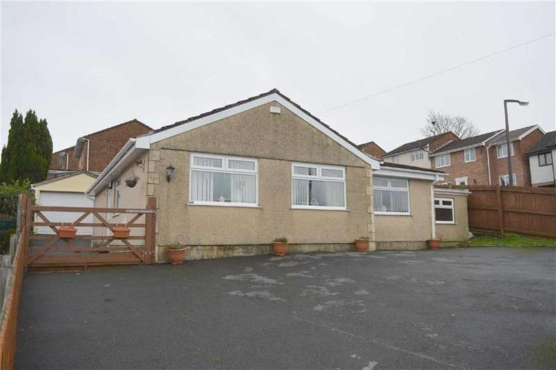 3 Bedrooms Detached Bungalow for sale in Heol Cleddau, Waunarlwydd, Swansea