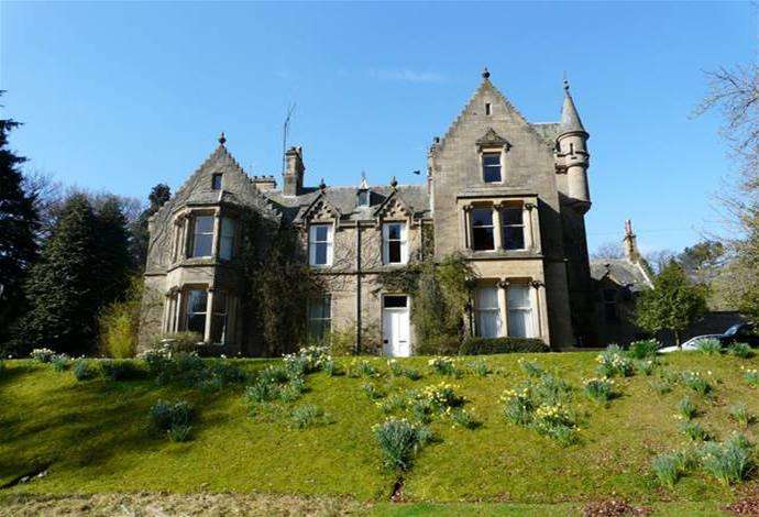 2 Bedrooms Flat for sale in 2 Abbotshill, 56 Abbotsford Road, Galashiels, TD1 3HP