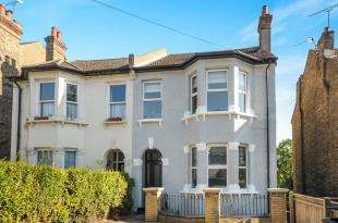 3 Bedrooms Flat for sale in Avondale Road, South Croydon