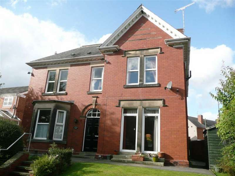 1 Bedroom Apartment Flat for sale in Carlton House, Clifford Close, Brampton, Chesterfield, S40