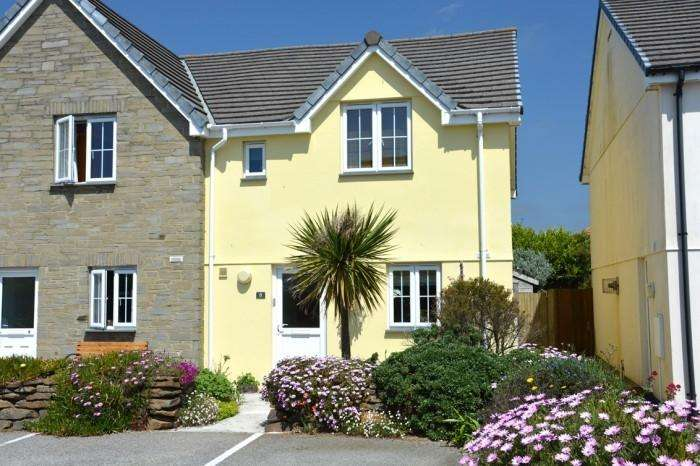 3 Bedrooms Town House for sale in 8 RIVIERA CLOSE, MULLION, TR12