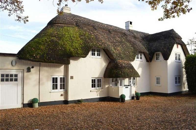 4 Bedrooms Cottage House for sale in Wimborne Road West, Wimborne, Dorset