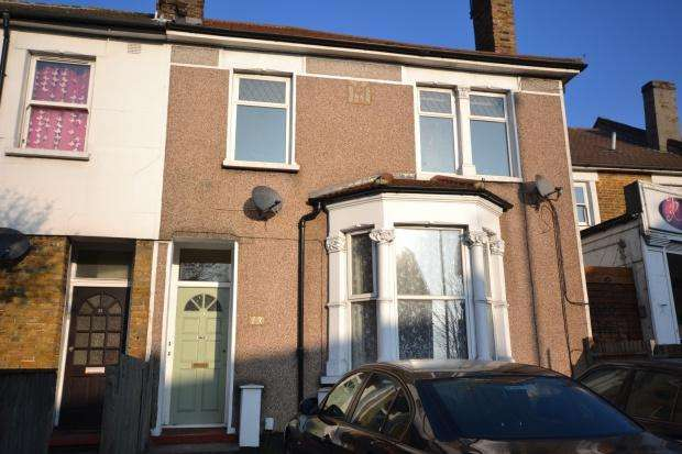 2 Bedrooms Flat for sale in Whitehorse Lane, South Norwood, London, SE25