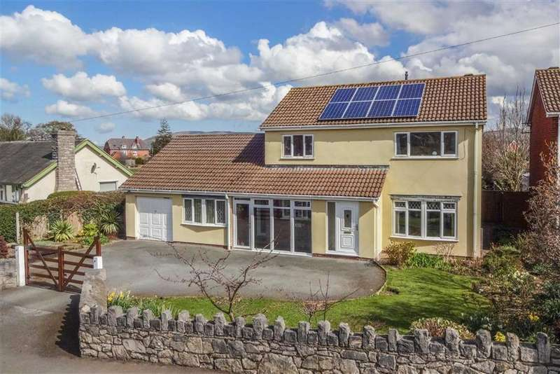 5 Bedrooms Detached House for sale in Ystrad Road, Denbigh, Denbigh
