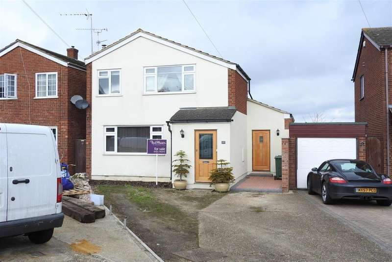 3 Bedrooms Detached House for sale in Ramsey Chase, Latchingdon